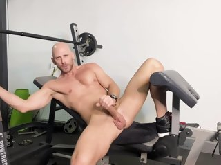 Johnny Jerks Off After A Workout